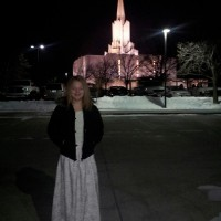 Ashtyn at the Jordan River Temple